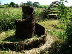 Wiklinowe spirale - instalacja w Woli Sękowej